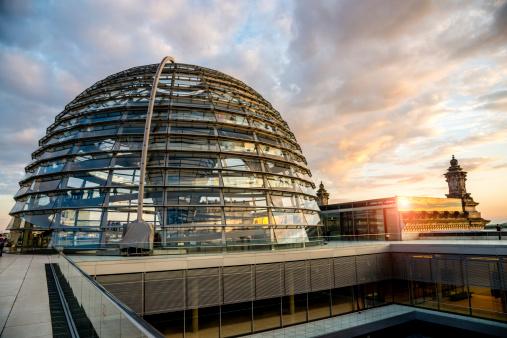 O alemão Reichstag Dome no coração de Berlin.